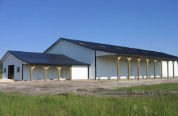 Horse barn and attached arena - Springfield, MB