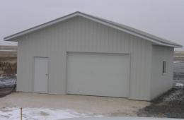 Metal garage - Grand Pointe, MB